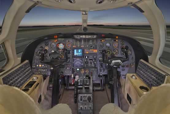 Citation_ll_Jet_N351CJ_9_15_cockpit-1mb